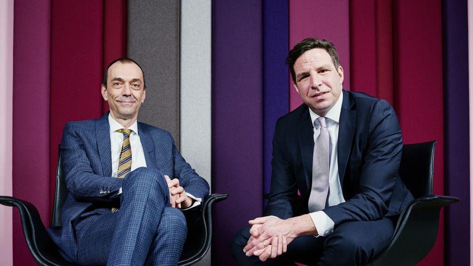 Gastgeber: Martin Noé (l.) und Sven Oliver Clausen, die beiden Co-Chefredakteure des manager magazins