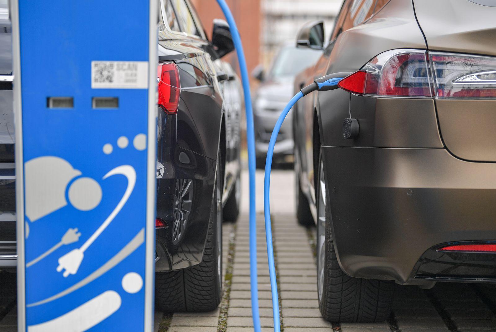 Elektrofahrzeug/ Elektoauto