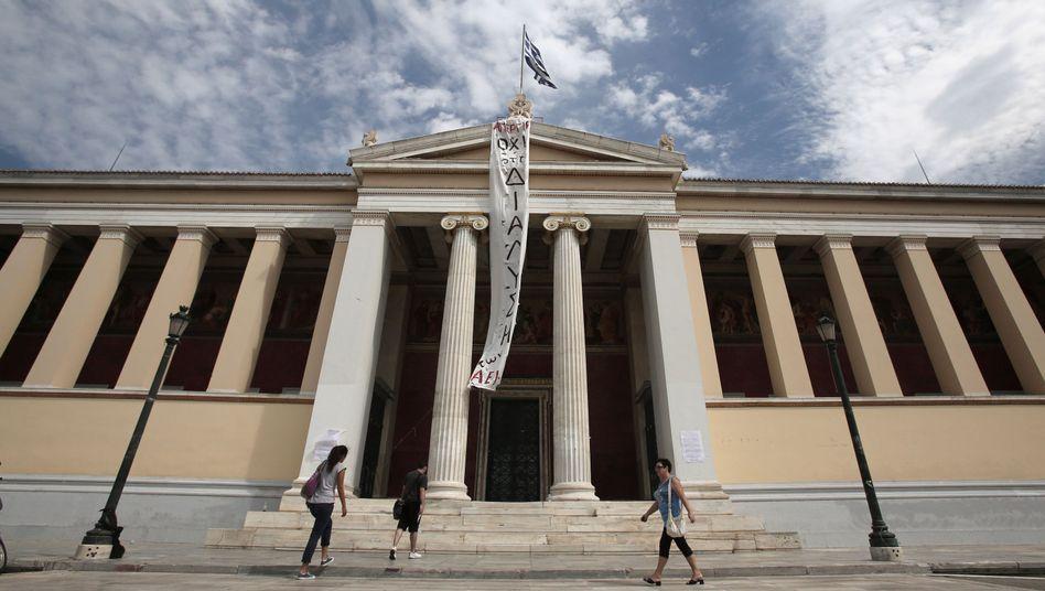 Aus deutscher Sicht ein bizarer Schritt: Die griechischen Behörden, denen die EU immer wieder Saumseligkeiten vorwerfen, ermitteln gegen deutsche Autobauer. Allerdings nicht nur gegen diese, wie man beeilt, klarzustellen
