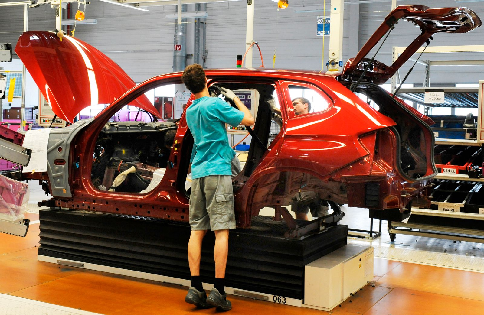 Leiharbeiter / BMW-Werk