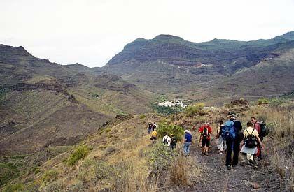 Unterwegs in ein Tal der Trockenheit: Im Südwesten bei Veneguera präsentiert sich Gran Canaria von seiner kargen Seite