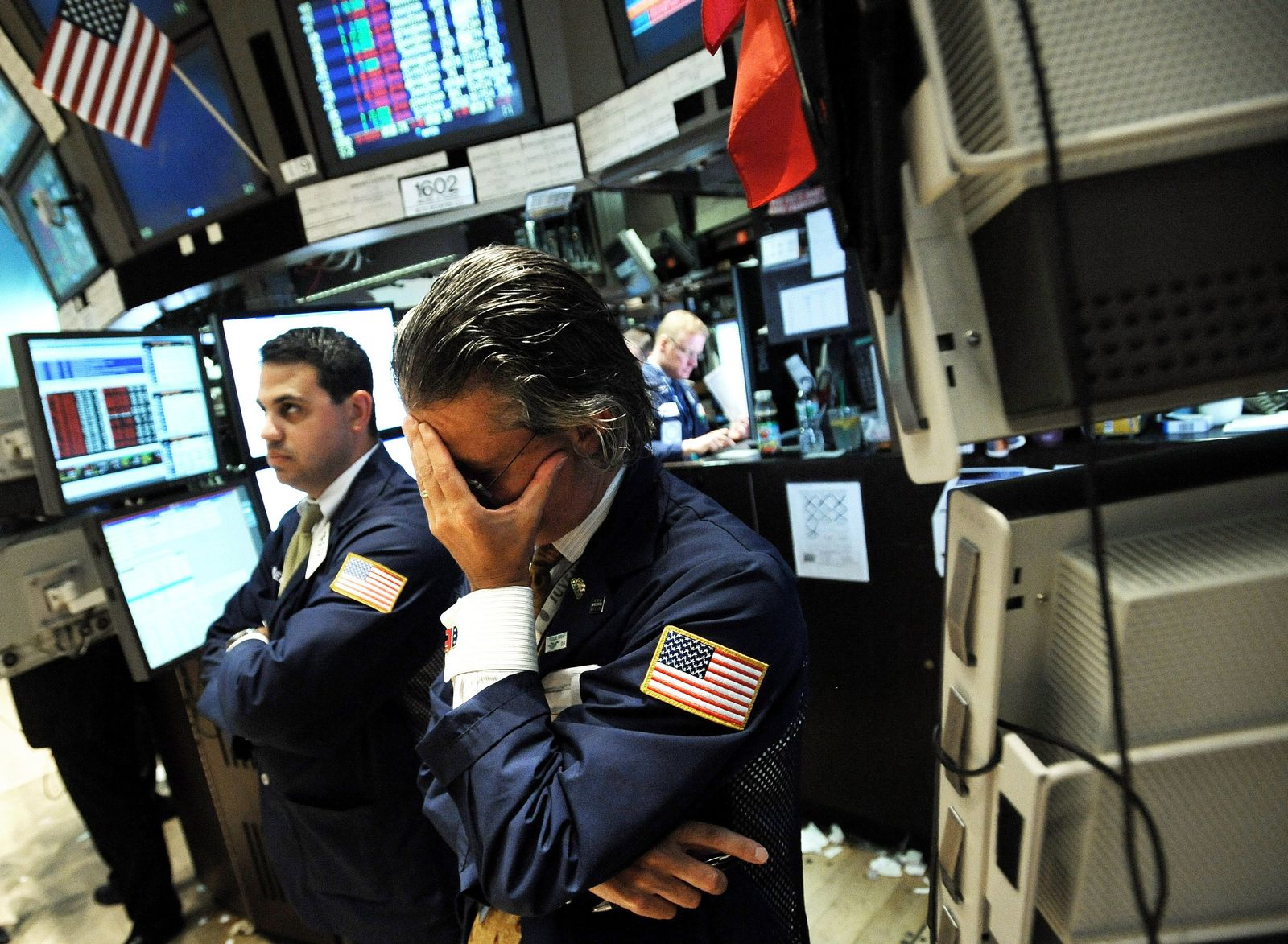 Wall Street indices fall more than 5 per cent
