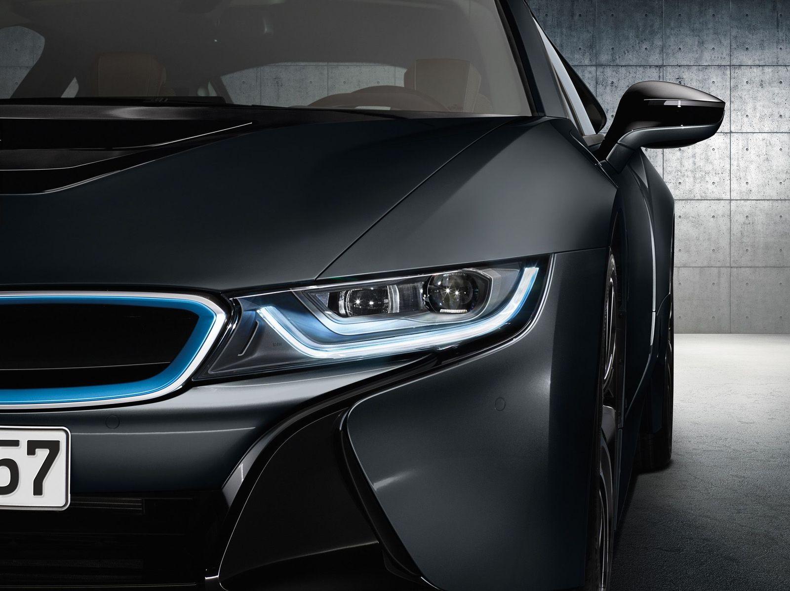 2015 / BMW i8
