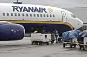 Ryanair: Die Iren wollen den Gewinn bis 2004 um bis zu 35 Prozent steigern