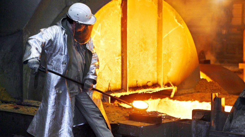 ThyssenKrupp-Stahlarbeiter in Duisburg: In einem italienischen Werk des deutschen Konzerns starben vor drei Jahren in einem Flammeninferno sieben Arbeiter