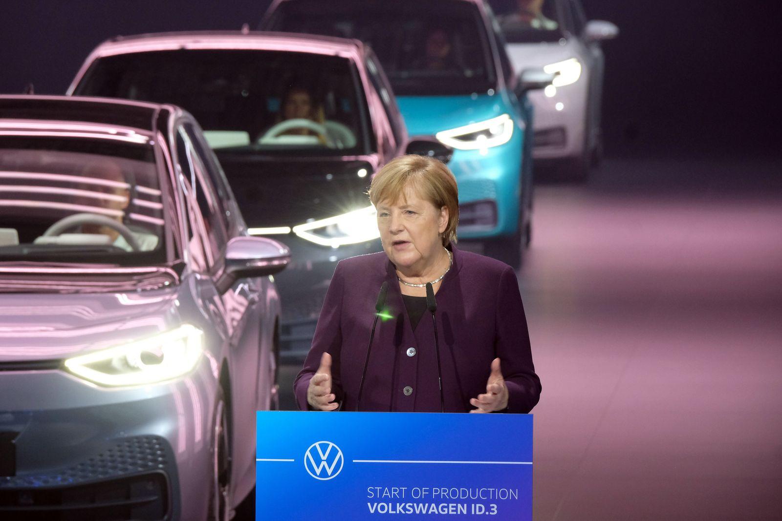 Angela Merkel / Zwickau / Elektroautos ID.3