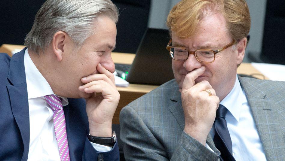 Wowereit und Schmitz: Der Kultur-Staatssekretär hielt dem Bürgermeister den Rücken frei