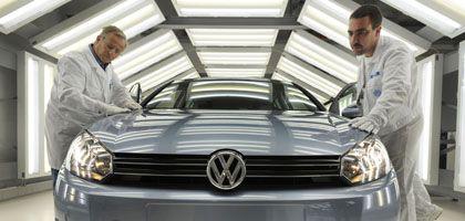 Verkaufszahlen steigen: Volkswagen-Produktion in Zwickau