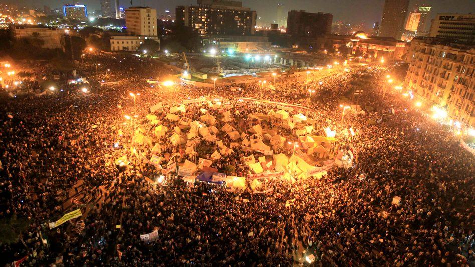 Tahrir-Platz in Kairo: Die Menschen protestieren gegen die Machterweiterung von Präsident Mursi