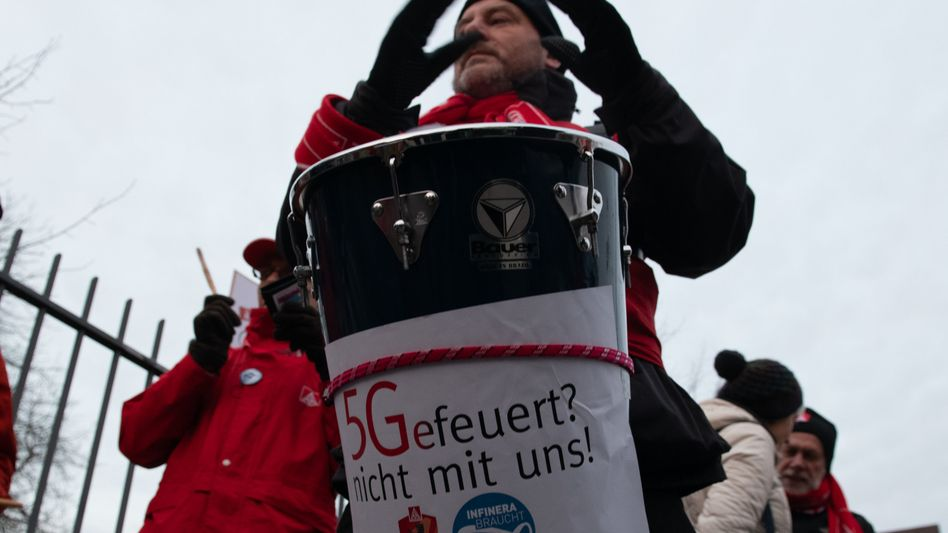 Protest von Infinera-Arbeitern in Berlin