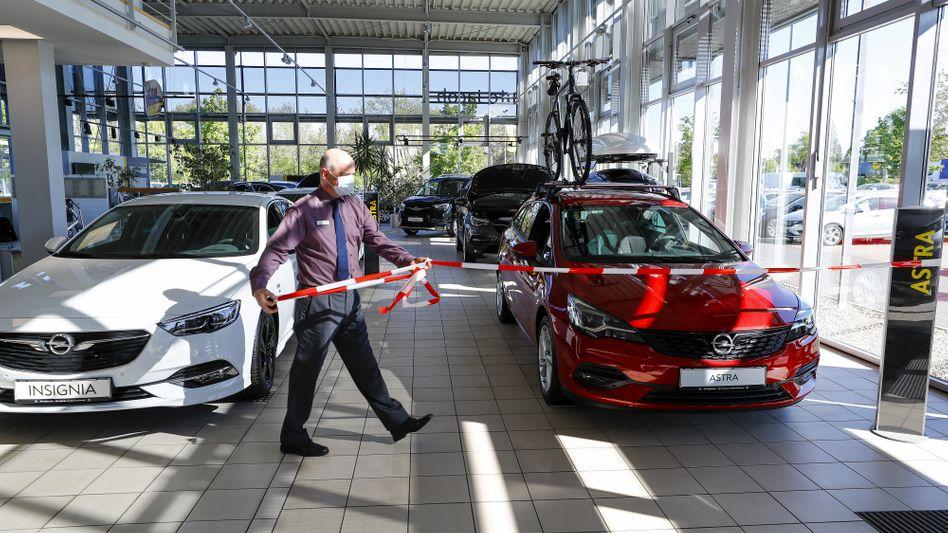 Wer startet jetzt durch? Neustart auch im Autoverkauf.