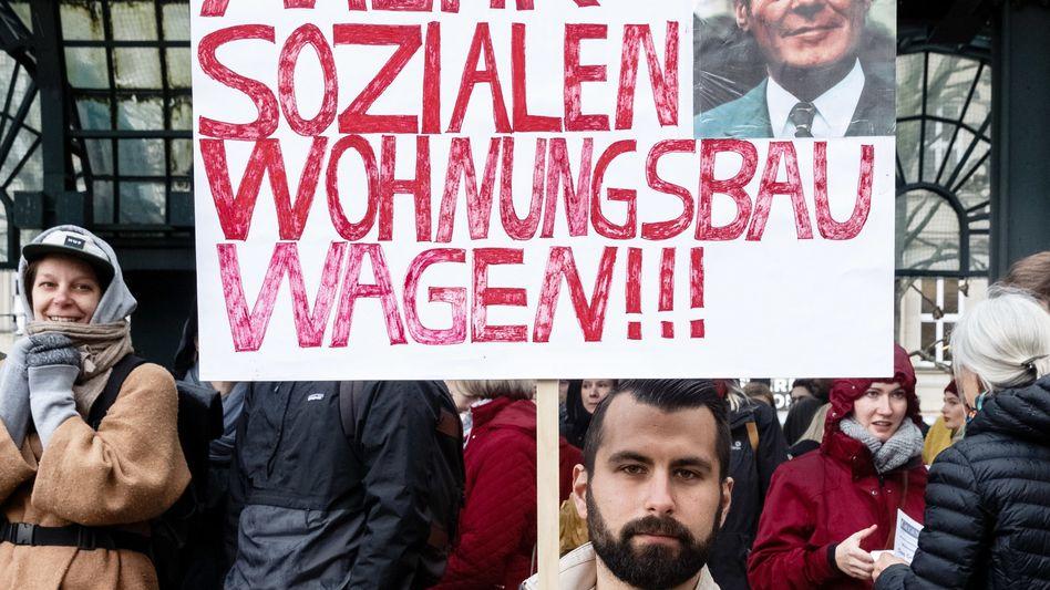 Demonstration für bezahlbare Mieten und mehr sozialen Wohnungsbau Anfang Mai in Hamburg