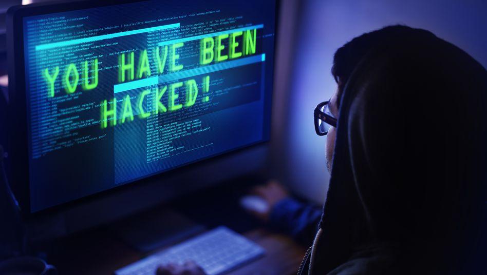 Cyber-Angriff: Auf den Schaden kommen künftig hohe Strafen obendrauf. Die Datenschutz-Grundverordnung (DSGVO) der EU, die im Mai 2018 finale Rechtskraft erlangt, kennt keine Kompromisse