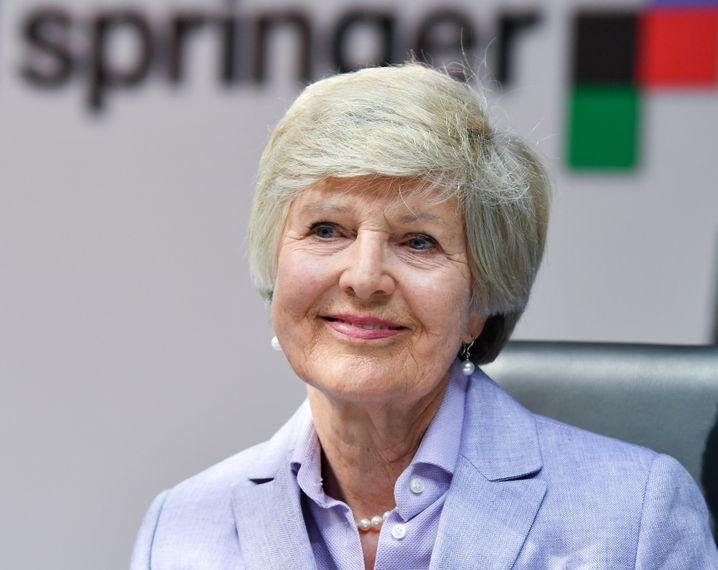 Heuschrecke im Haus: Verlegerin Friede Springer freut sich auf KKR.