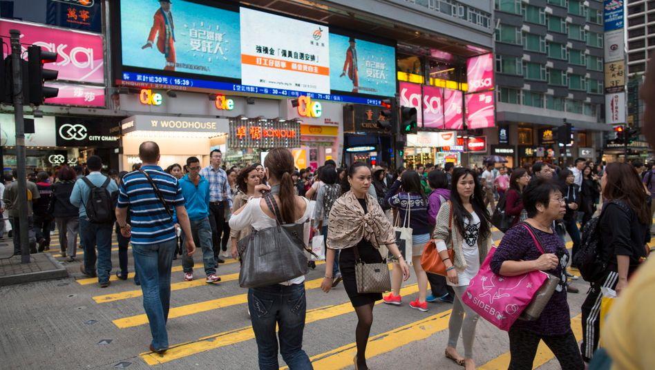 Einkaufstraße in Hongkong: Die Konjunktursorgen nehmen auch in Fernost zu