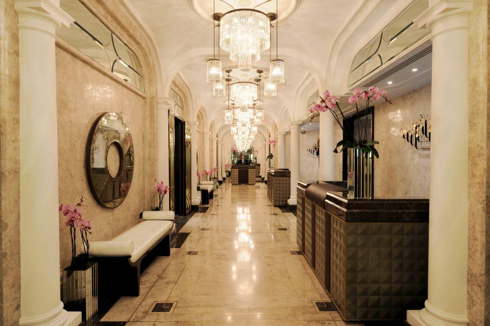 EINMALIGE VERWENDUNG The Wellesley Hotel Lobby