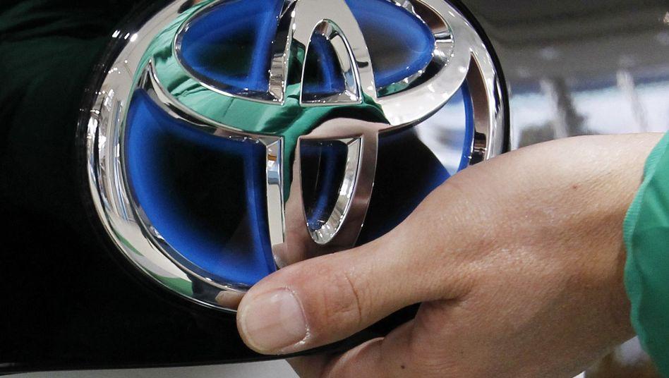 Findet zurück zu alter Stärke: Toyota hat seinen Ausblick nach einem sehr guten ersten Quartal angehoben