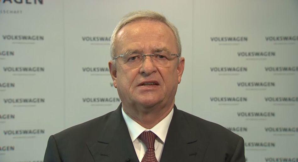 """VW-Chef Winterkorn: """"Es tut mir unendlich leid, dass wir dieses Vertrauen enttäuscht haben. Ich entschuldige mich in aller Form bei unseren Kunden, bei den Behörden und der gesamten Öffentlichkeit für das Fehlverhalten"""""""