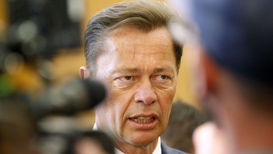 Ex-Arcandor-Manager Middelhoff: Unmut vor Gericht