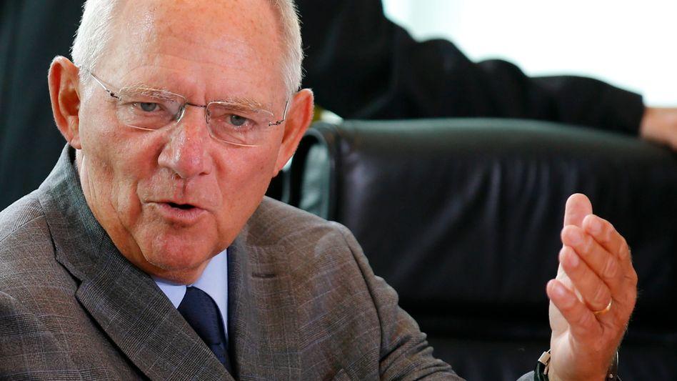 Wolfgang Schäuble: Der Bundesfinanzminister regt eine schnelle Regelung der Finanzbeziehungen zwischen Bund und Ländern an