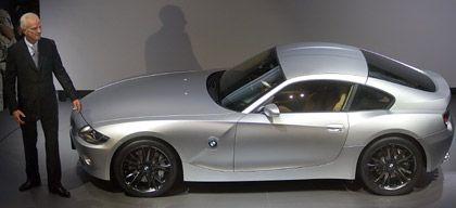 BMWs kleiner Hingucker: Z4 als geschlossenes Coupé im Stil des Porsche Cayman mit BMW-Chef Helmut Panke