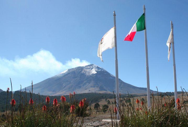 Rauchzeichen: Seit der Jahrtausendwende ist der Popocatepetl äußerst aktiv und daher für Wanderer und Bergsteiger gesperrt