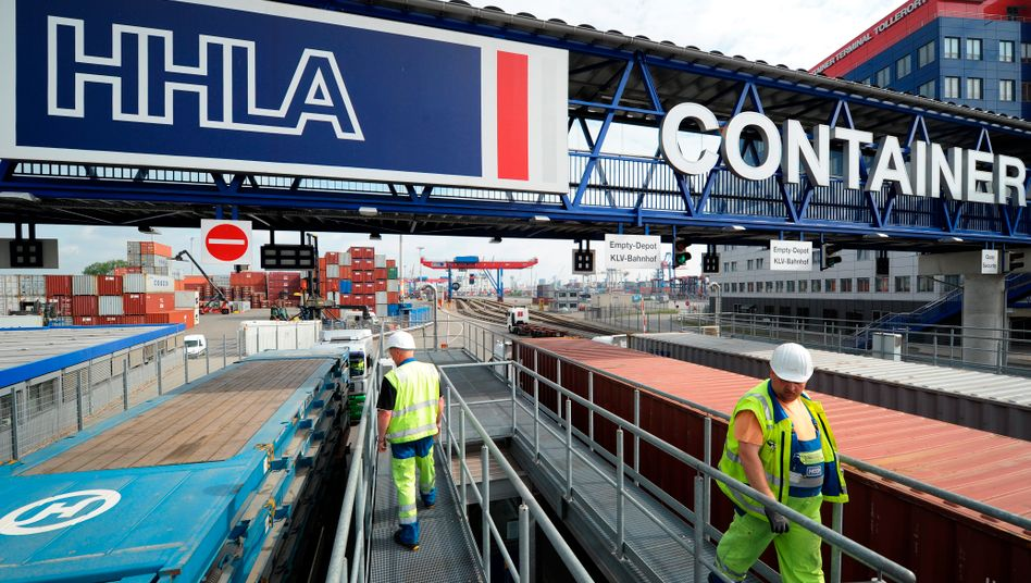 HHLA-Containerterminal im Hamburger Hafen: Die Aktie stürzt nach der Gewinnwarnung um mehr als 16 Prozent ab