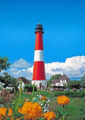 Sicher in den Hafen der Ehe einfahren: Auf der Nordseeinsel Pellworm können Paare sich im Leuchtturm das Jawort geben