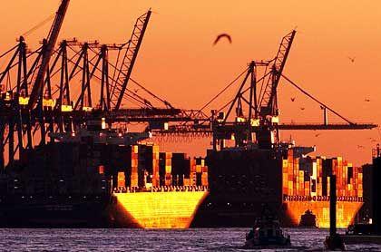 Mangel an Dynamik: Die Wirtschaftslage in Deutschland ist nach Einschätzung der Unternehmen weiterhin schwierig
