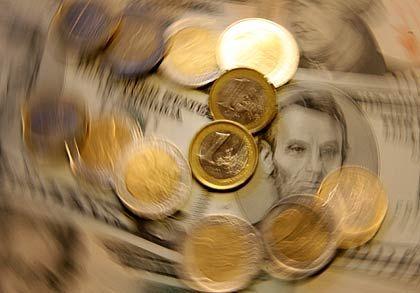 Kreditkarussell: Geld wird verliehen und weitergereicht - bis schwer zu beurteilen ist, was wirklich dahinter steht