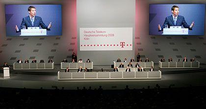 Heimspiel: Telekom-Chef Obermann bekam auf der Hauptversammlung viel Zustimmung - obwohl der Aktienkurs niedriger als vor einem Jahr steht