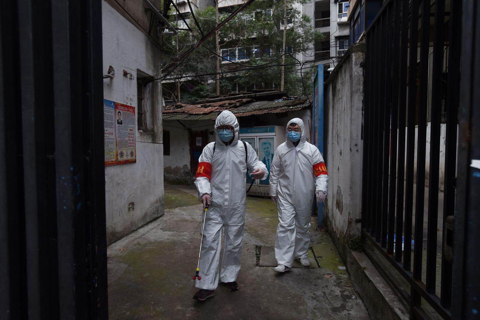 Coronavirus / China / Desinfektion / Schutzmaske / Schutzkleidung