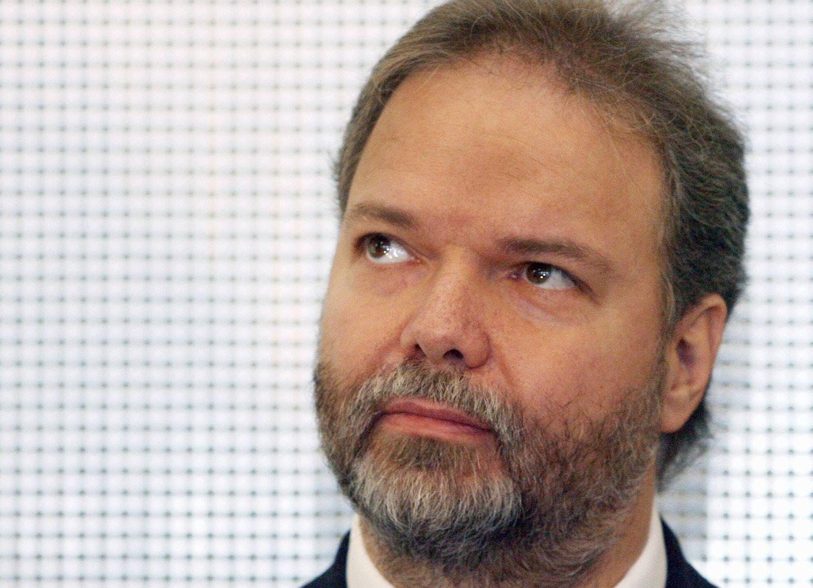 NICHT VERWENDEN Verhandlung ueber Claassens Klage gegen EnBW im August