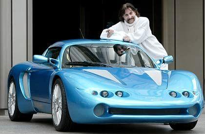 """Colani-Speedster: Präsentation anlässlich der """"Essen Motor Show 2002"""""""