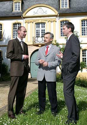 Expertenteam: (v. l.) Henner Lüttich (Contor) mit den Professoren Michael Frenkel und Jürgen Weigand (beide WHU)