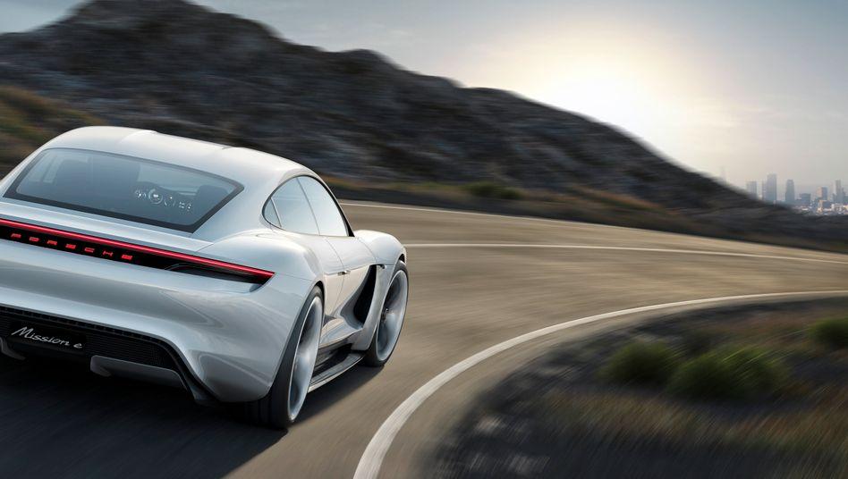 Porsche Mission E: Im Jahr 2019 soll das erste Elektromodell von Porsche auf den Markt kommen