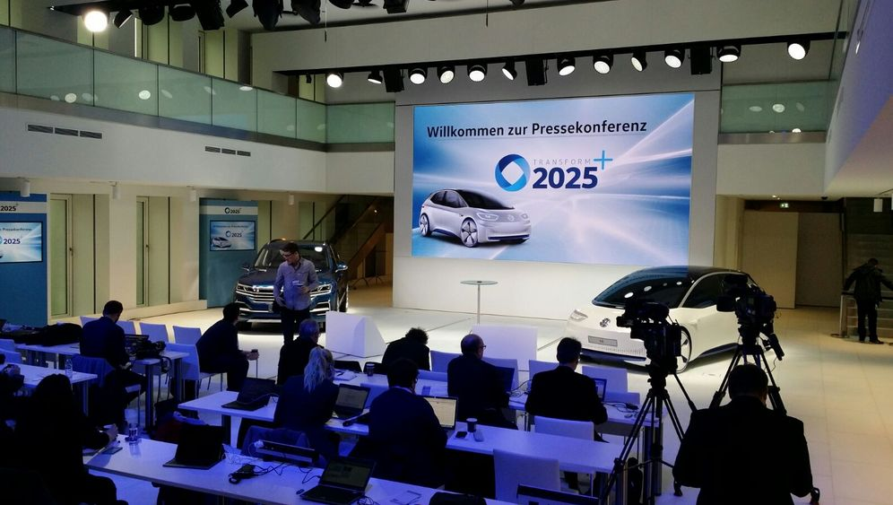 VW-Strategie-Pressekonferenz 2016: Ein Hauch von Zukunft in historischen Gemäuern