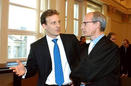 Zwölfter Tag vor Gericht: Alexander Falk, hier mit seinem Verteidiger Thomas Bliwier