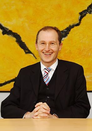 Hat gut lachen: Kläger-Anwalt Klaus Rotter