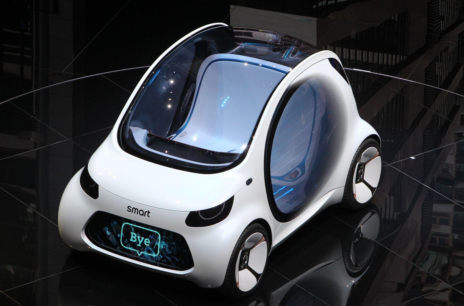 smart vision EQ fortwo / GERMANY-ECONOMY-AUTOMOBILE-SHOW-IAA 2017