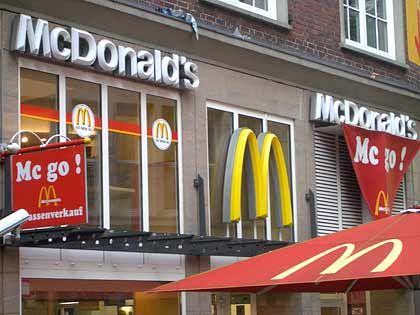 McDonalds-Restaurant in Hamburg: Schwacher Dollar stützt das Auslandsgeschäft
