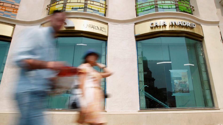 Spanische Banken in Not: Rund 30 Milliarden Euro Soforthilfe sollen noch in diesem Monat an die Institute fließen