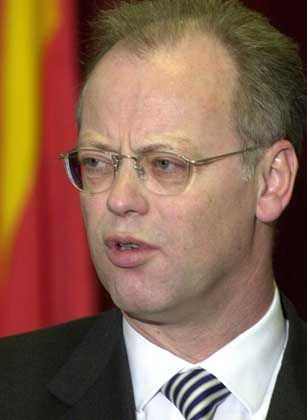 Rudolf Scharping: Die Staatsanwaltschaft ermittelt
