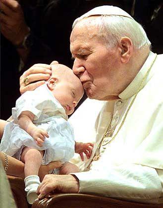 Anziehungsfigur: Papst Johannes Paul II galt für viele Menschen als sehr charismatisch