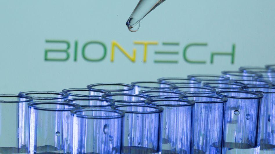 Bewegung an der Börse: In den USA ist die Aktie von Biontech am Mittwoch zeitweise um 20 Prozent eingebrochen. Tags zuvor hatte sie ein Rekordhoch erreicht