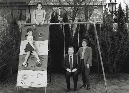 Investiert in Aktienfonds: Werner Huber zusammen mit seiner Frau und seinen drei Kindern