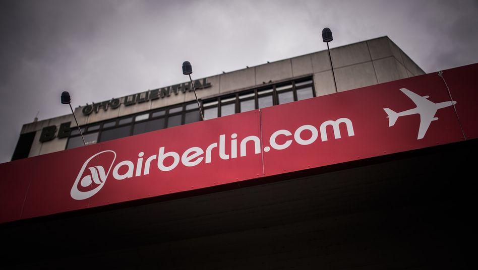 Air Berlin: Für den noch immer nicht eröffneten Hauptstadtflughafen BER mietete die Fluggesellschaft einen Bürokomplex an - und bezog ihn nie