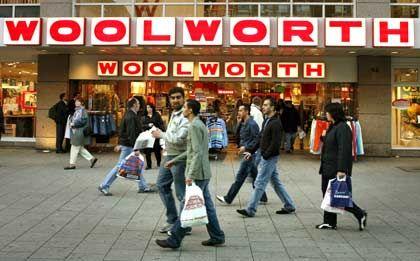 Ernste Situation: Die Kaufhauskette Woolworth wieder ohne Chef