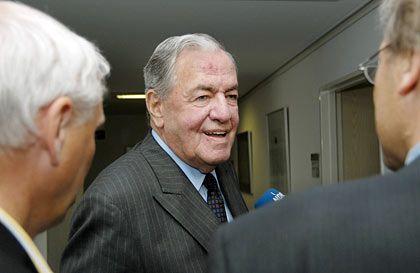 Hält an seinem Vorstandschef fest: HSH-Chefaufseher Hilmar Kopper will Vorstandschef Dirk Jens Nonnenmacher das Vertrauen aussprechen