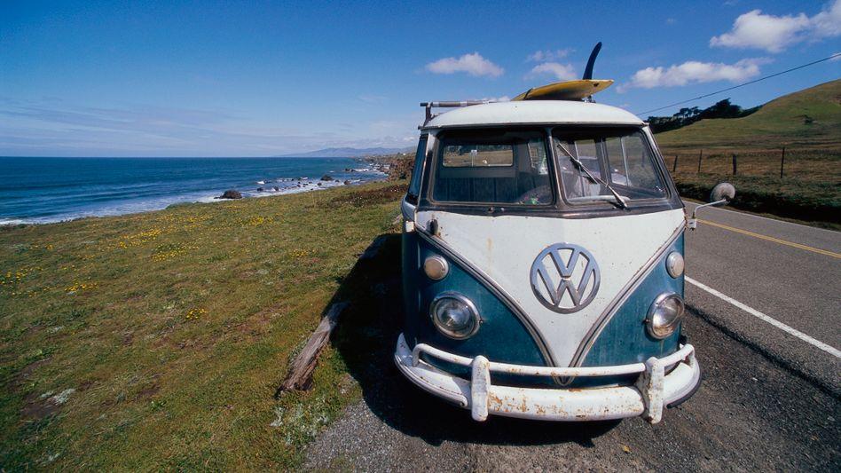 Klassischer VW-Bus in Kalifornien: Der US-Bundesstaat gilt als Vorreiter in Sachen Klimaschutz